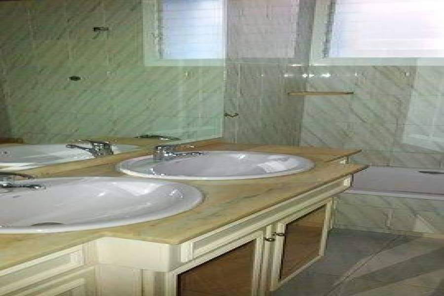 Elche,Alicante,España,4 Bedrooms Bedrooms,2 BathroomsBathrooms,Apartamentos,26597