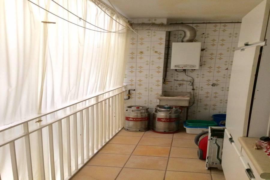 Elche,Alicante,España,4 Bedrooms Bedrooms,1 BañoBathrooms,Apartamentos,26607