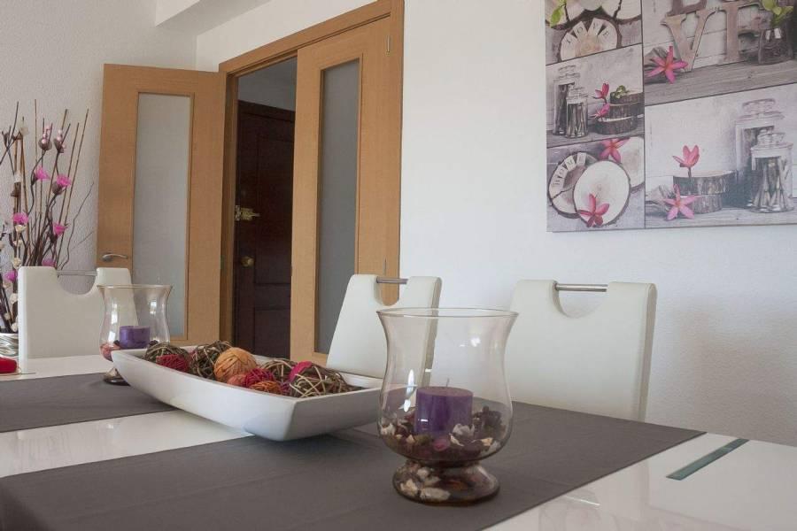 Alicante,Alicante,España,4 Bedrooms Bedrooms,1 BañoBathrooms,Apartamentos,26677