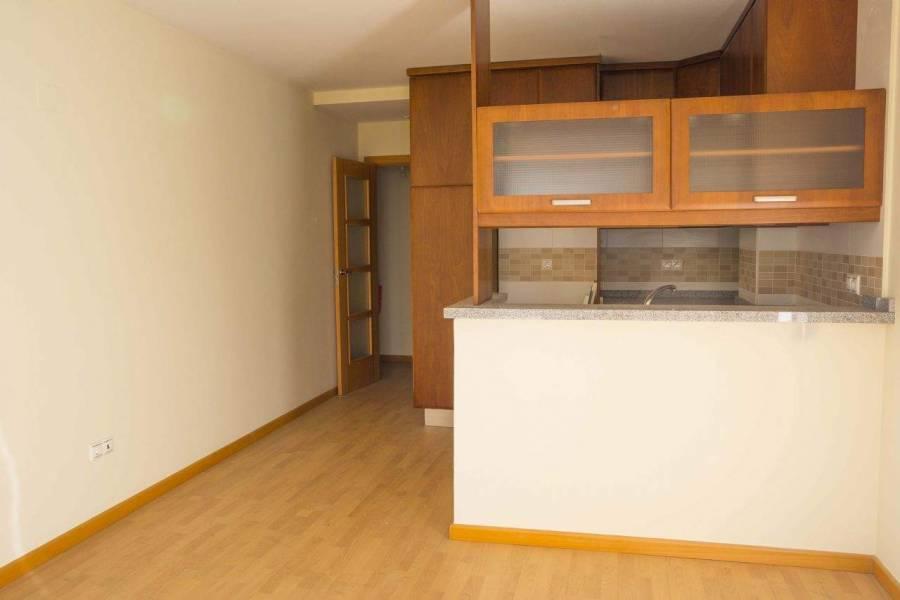 Alicante,Alicante,España,2 Bedrooms Bedrooms,1 BañoBathrooms,Apartamentos,26702