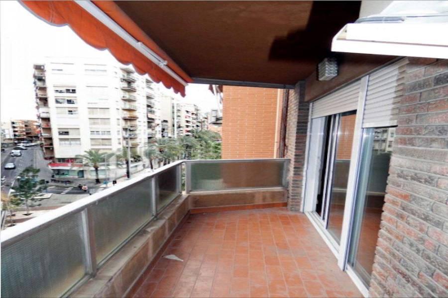 Alicante,Alicante,España,4 Bedrooms Bedrooms,2 BathroomsBathrooms,Apartamentos,26709