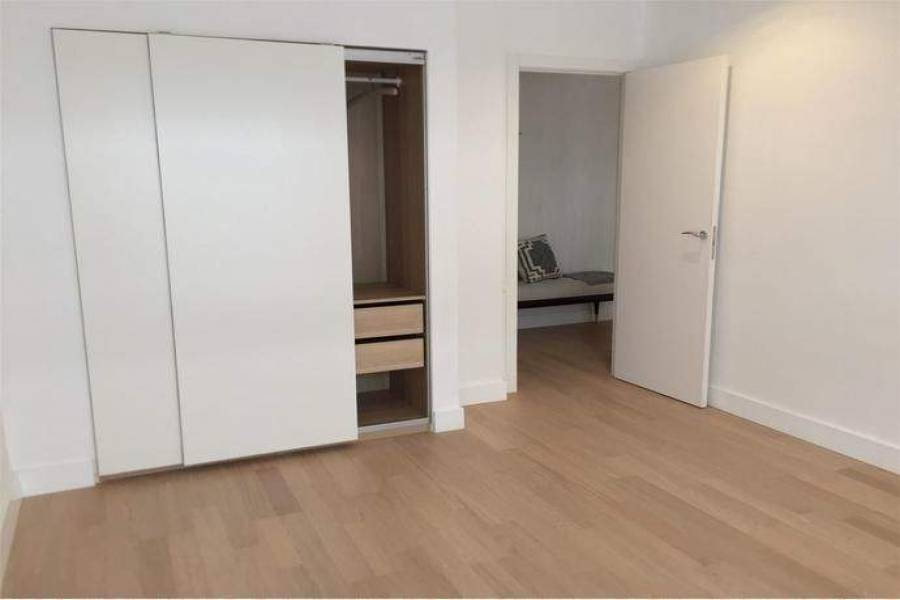 Alicante,Alicante,España,3 Bedrooms Bedrooms,2 BathroomsBathrooms,Apartamentos,26730