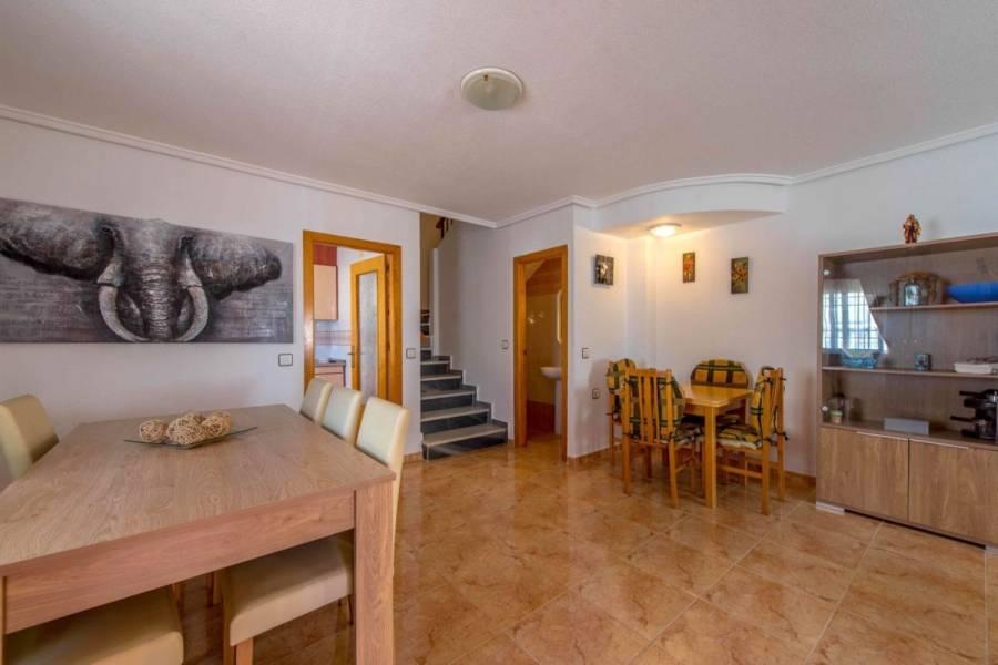 Torrevieja,Alicante,España,3 Bedrooms Bedrooms,2 BathroomsBathrooms,Adosada,26855