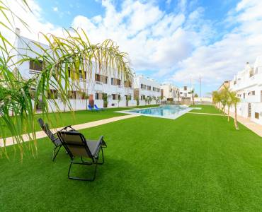 Pilar de la Horadada,Alicante,España,3 Bedrooms Bedrooms,2 BathroomsBathrooms,Apartamentos,28970