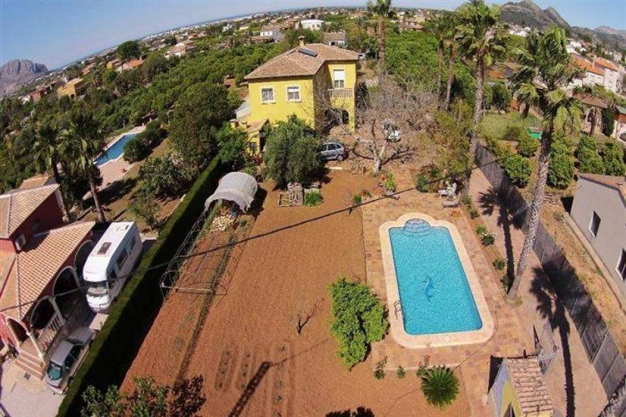 Pedreguer,Alicante,España,7 Bedrooms Bedrooms,3 BathroomsBathrooms,Chalets,29440