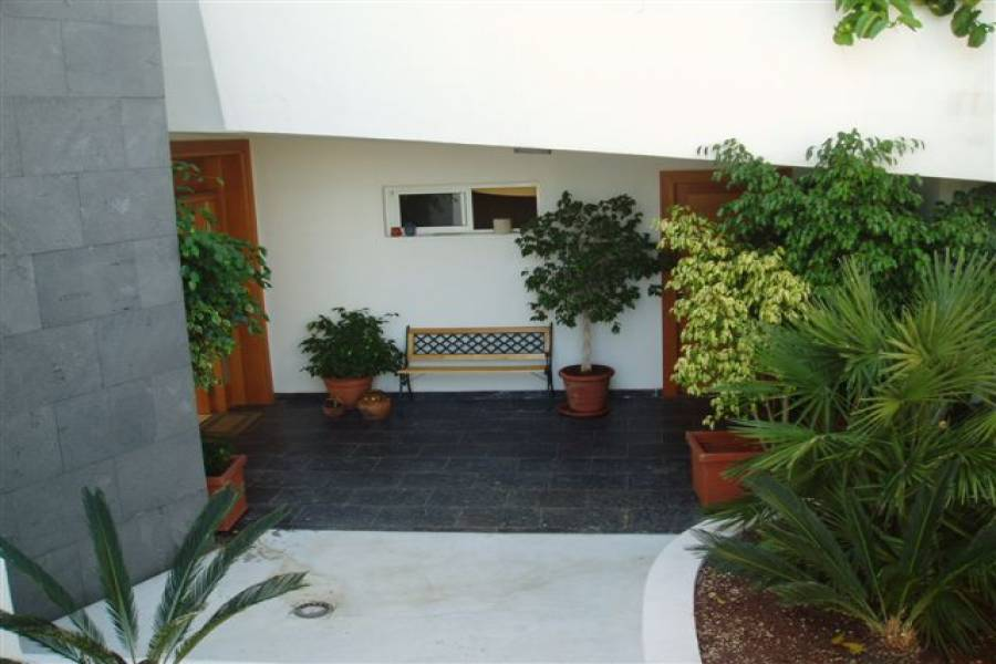 IMPERDIBLE! VER INFO...,4 Bedrooms Bedrooms,3 BathroomsBathrooms,Casas,3642
