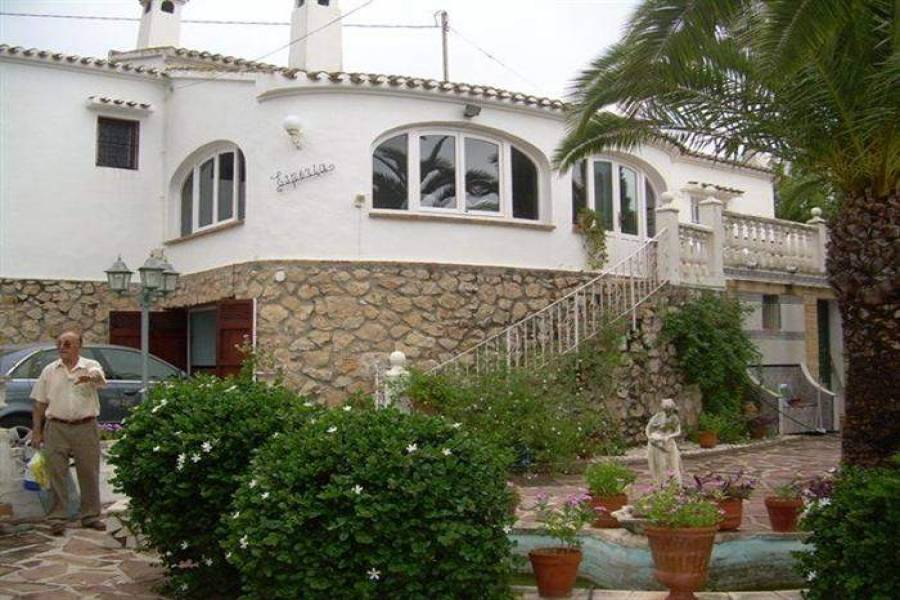 Dénia,Alicante,España,4 Bedrooms Bedrooms,4 BathroomsBathrooms,Chalets,29551