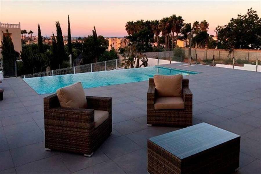 Dénia,Alicante,España,4 Bedrooms Bedrooms,3 BathroomsBathrooms,Chalets,29590