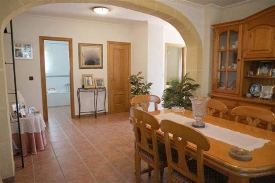 Dénia,Alicante,España,3 Bedrooms Bedrooms,2 BathroomsBathrooms,Chalets,29621