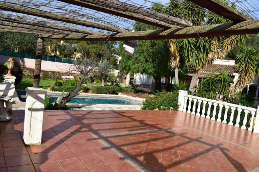 Dénia,Alicante,España,4 Bedrooms Bedrooms,3 BathroomsBathrooms,Chalets,29660