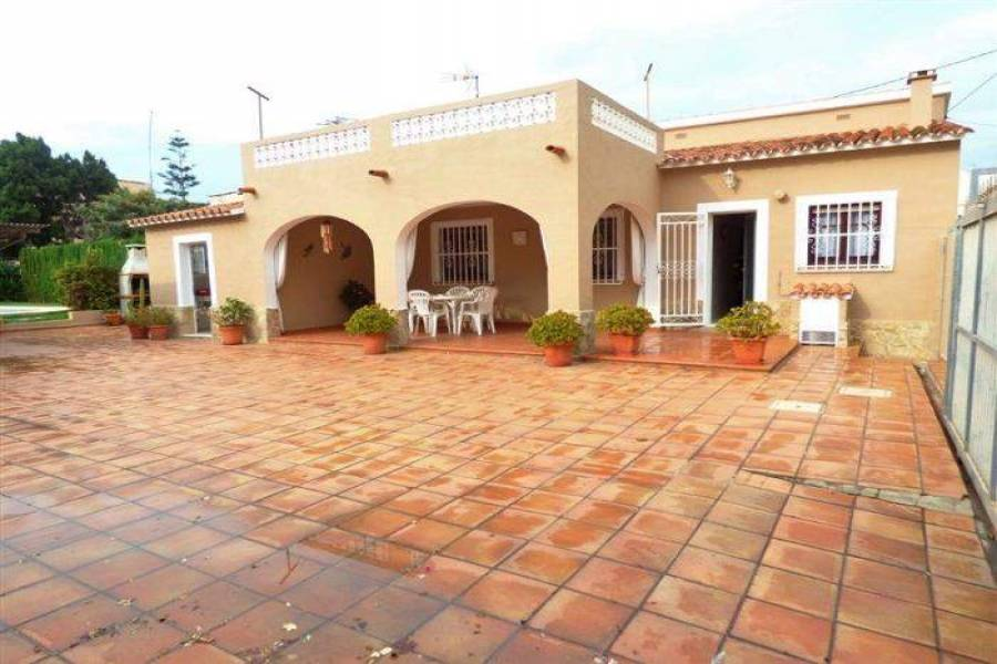 Dénia,Alicante,España,3 Bedrooms Bedrooms,2 BathroomsBathrooms,Chalets,29669