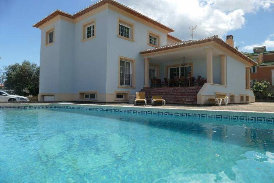 Dénia,Alicante,España,5 Bedrooms Bedrooms,3 BathroomsBathrooms,Chalets,29672