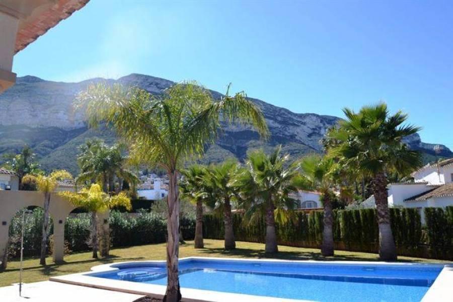 Dénia,Alicante,España,4 Bedrooms Bedrooms,4 BathroomsBathrooms,Chalets,29683