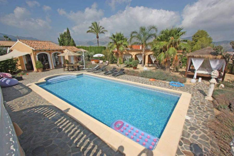 Orba,Alicante,España,3 Bedrooms Bedrooms,2 BathroomsBathrooms,Chalets,29694