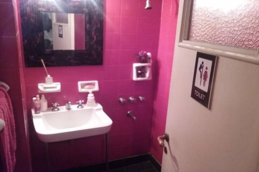 IMPERDIBLE! VER INFO...,4 Bedrooms Bedrooms,2 BathroomsBathrooms,PH Tipo Casa,Pasaje La Porteña,1260