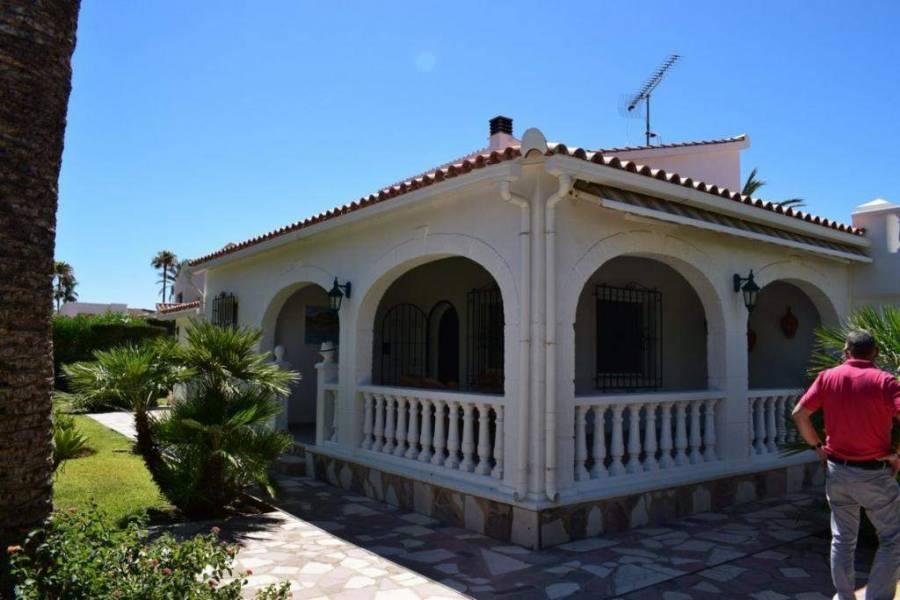 Els Poblets,Alicante,España,3 Bedrooms Bedrooms,3 BathroomsBathrooms,Chalets,29770