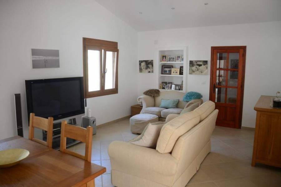 Jalon-Xalo,Alicante,España,4 Bedrooms Bedrooms,3 BathroomsBathrooms,Chalets,29792