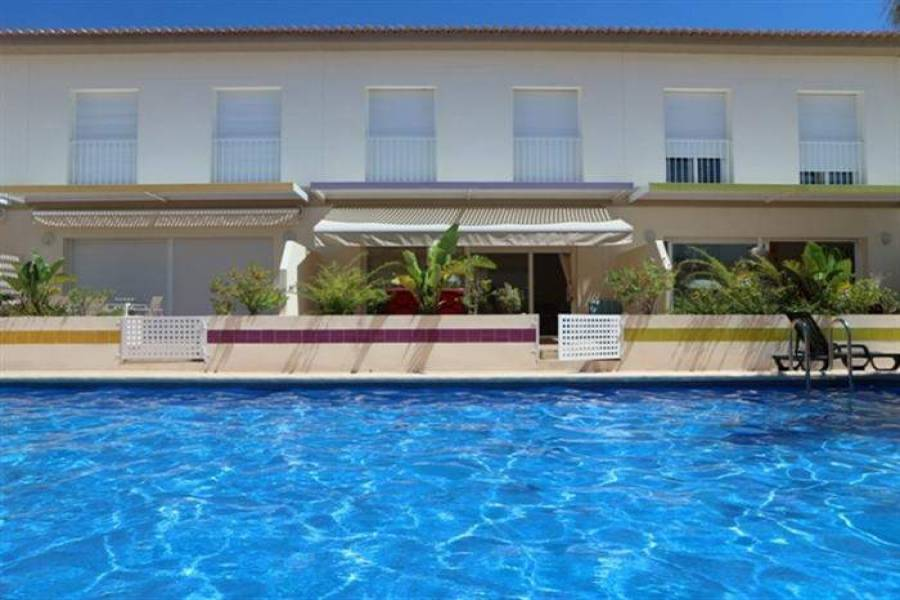Dénia,Alicante,España,3 Bedrooms Bedrooms,2 BathroomsBathrooms,Chalets,29817