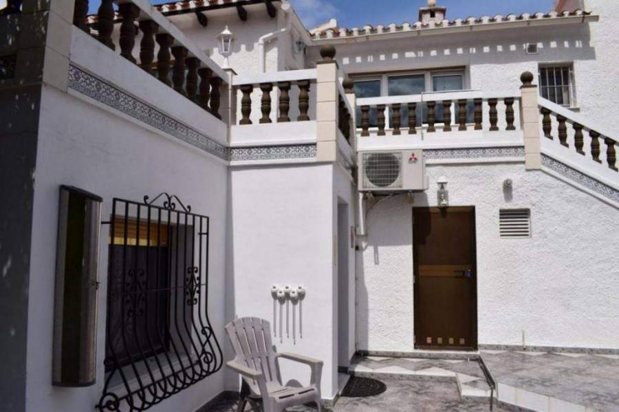 Dénia,Alicante,España,3 Bedrooms Bedrooms,3 BathroomsBathrooms,Chalets,29852