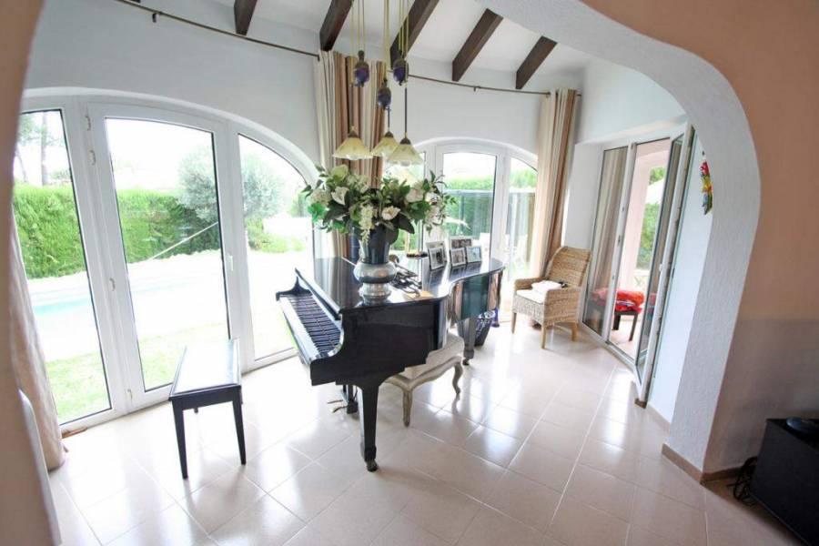Dénia,Alicante,España,3 Bedrooms Bedrooms,2 BathroomsBathrooms,Chalets,29904