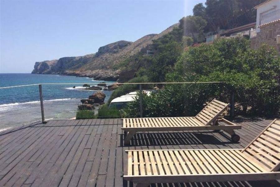 Dénia,Alicante,España,4 Bedrooms Bedrooms,4 BathroomsBathrooms,Chalets,30116