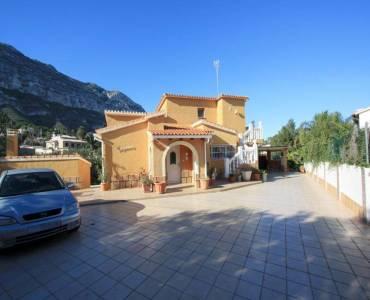 Dénia,Alicante,España,4 Bedrooms Bedrooms,3 BathroomsBathrooms,Chalets,30213