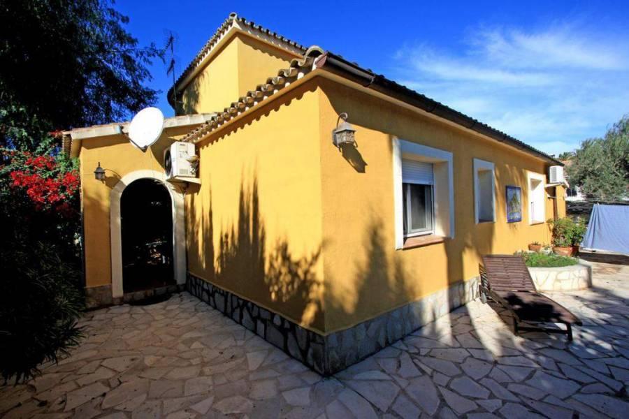 Dénia,Alicante,España,5 Bedrooms Bedrooms,3 BathroomsBathrooms,Chalets,30283
