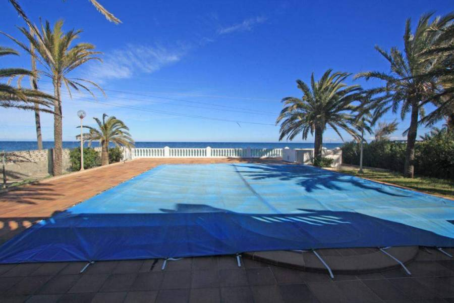 Dénia,Alicante,España,10 Bedrooms Bedrooms,5 BathroomsBathrooms,Chalets,30313