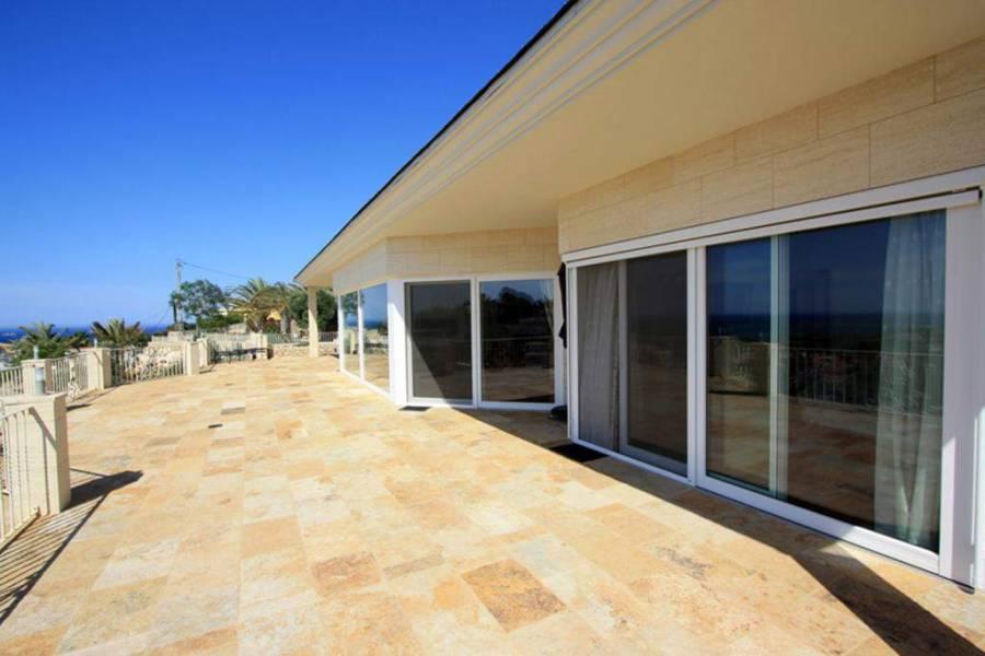 Dénia,Alicante,España,4 Bedrooms Bedrooms,4 BathroomsBathrooms,Chalets,30361
