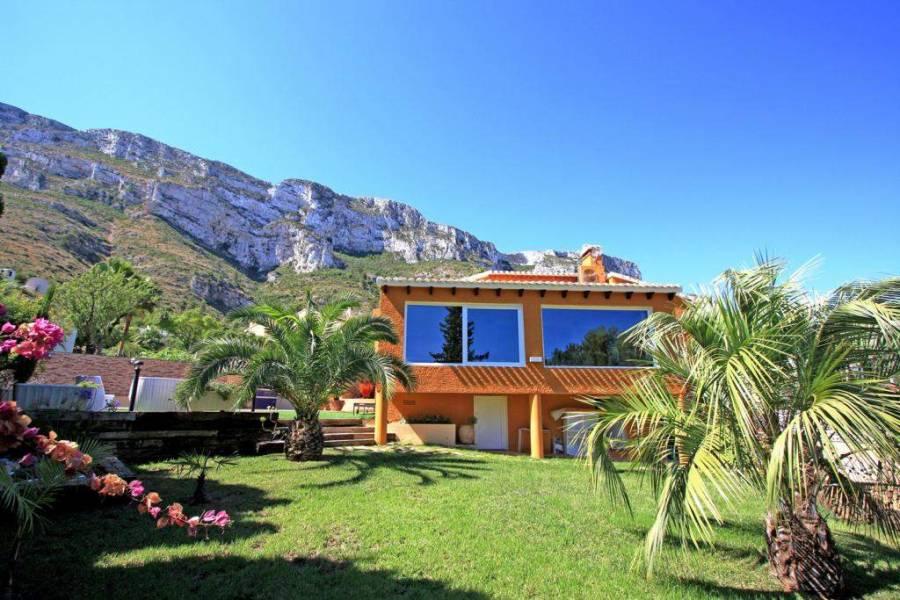 Dénia,Alicante,España,6 Bedrooms Bedrooms,4 BathroomsBathrooms,Chalets,30364