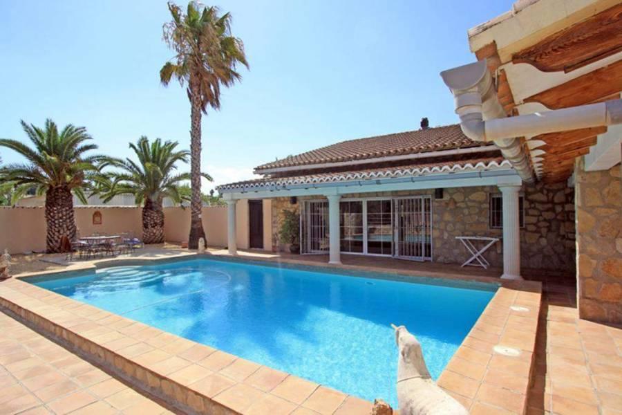 Pedreguer,Alicante,España,5 Bedrooms Bedrooms,4 BathroomsBathrooms,Chalets,30387