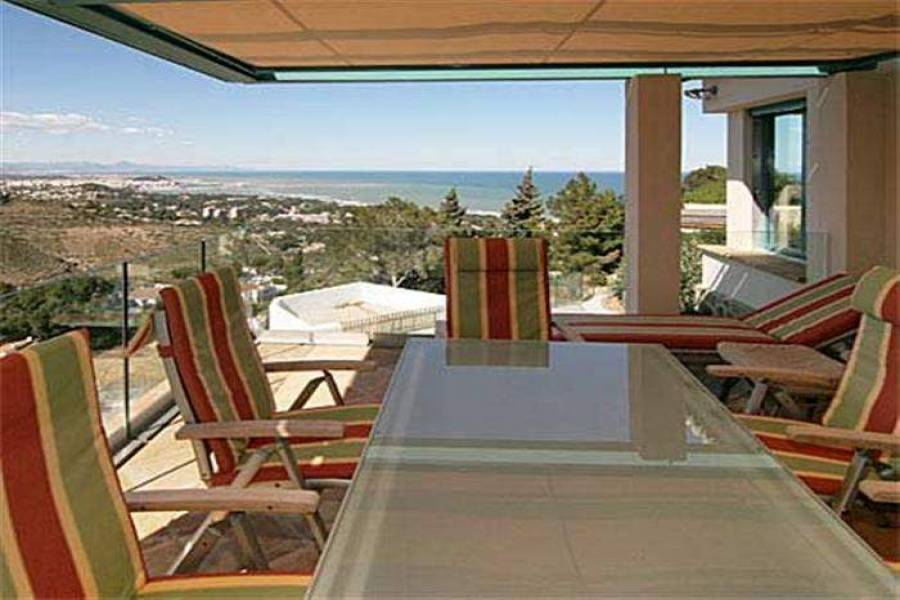 Dénia,Alicante,España,4 Bedrooms Bedrooms,3 BathroomsBathrooms,Chalets,30390