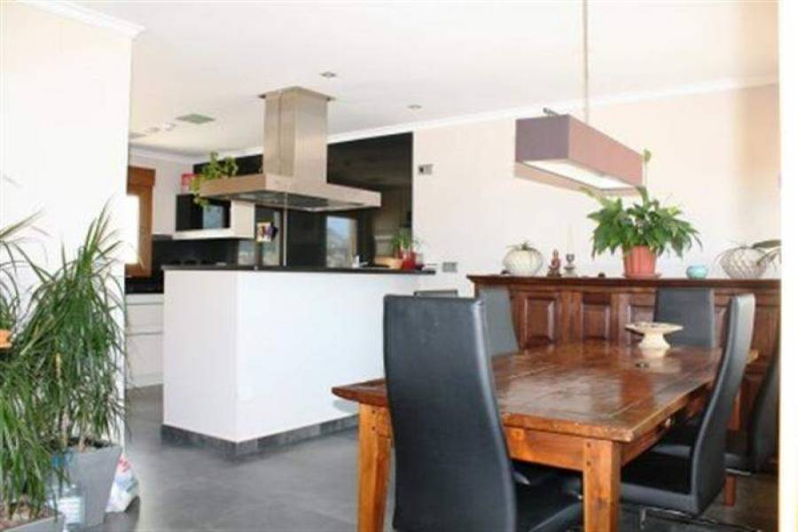 Beniarbeig,Alicante,España,4 Bedrooms Bedrooms,3 BathroomsBathrooms,Apartamentos,30400