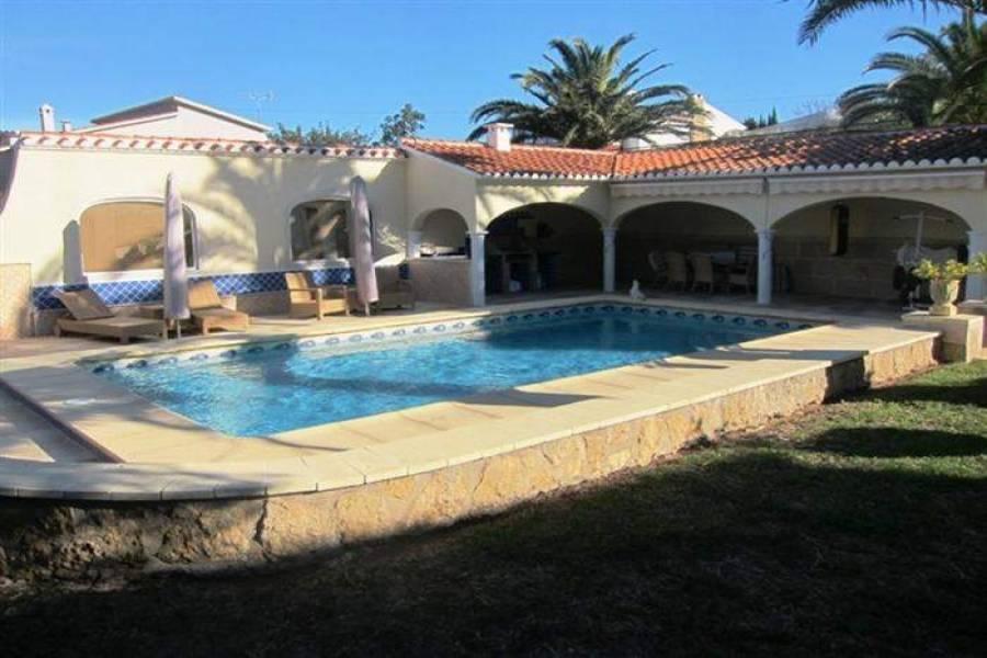 Dénia,Alicante,España,5 Bedrooms Bedrooms,4 BathroomsBathrooms,Chalets,30439