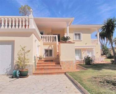 Dénia,Alicante,España,4 Bedrooms Bedrooms,3 BathroomsBathrooms,Chalets,30767