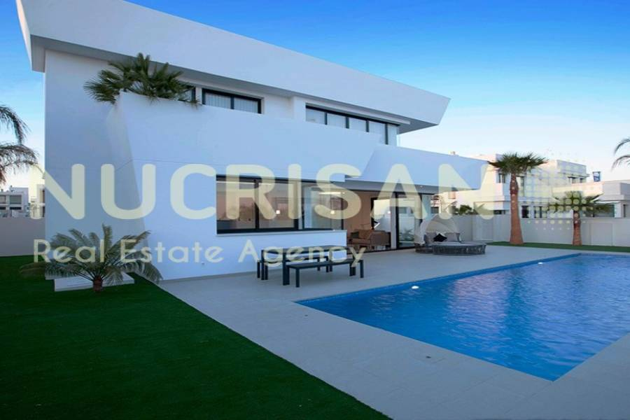 Rojales,Alicante,España,4 Bedrooms Bedrooms,4 BathroomsBathrooms,Chalets,31033