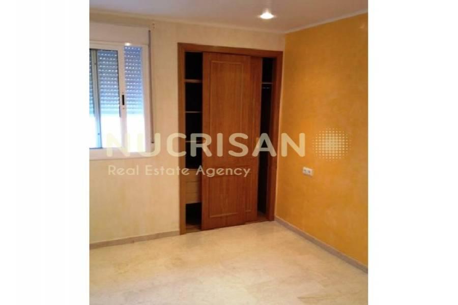 Alicante,Alicante,España,4 Bedrooms Bedrooms,3 BathroomsBathrooms,Chalets,31077