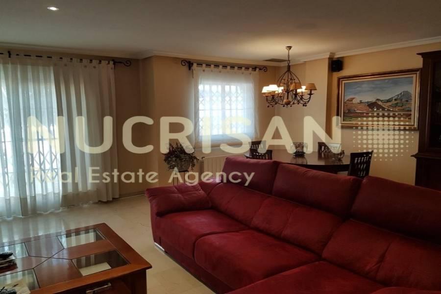 Alicante,Alicante,España,3 Bedrooms Bedrooms,3 BathroomsBathrooms,Chalets,31190