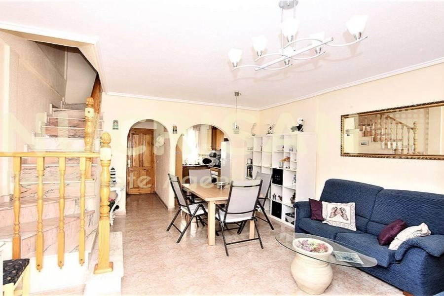 Orihuela,Alicante,España,3 Bedrooms Bedrooms,3 BathroomsBathrooms,Chalets,31207
