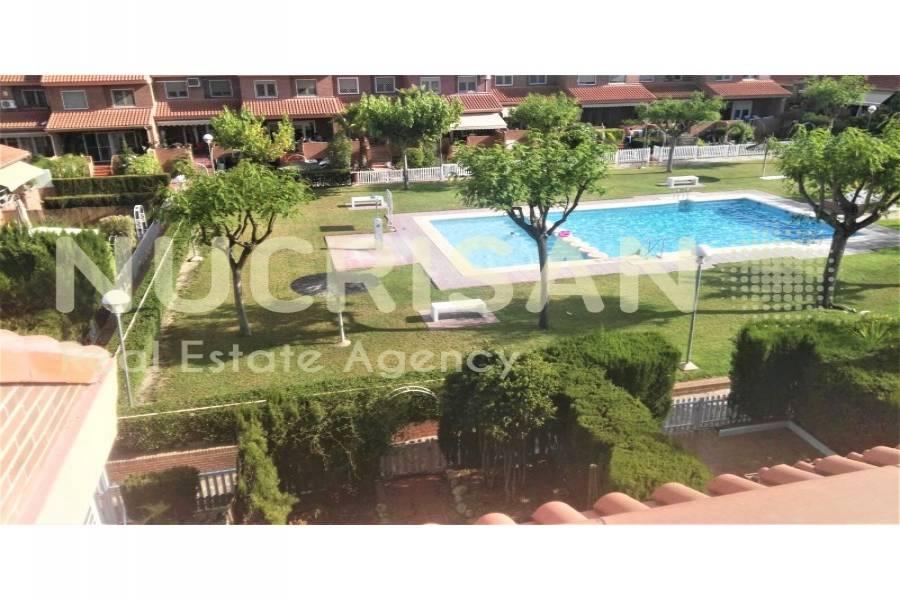 Alicante,Alicante,España,4 Bedrooms Bedrooms,3 BathroomsBathrooms,Chalets,31211