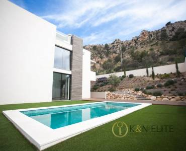 Alicante,Alicante,España,6 Bedrooms Bedrooms,3 BathroomsBathrooms,Chalets,31226