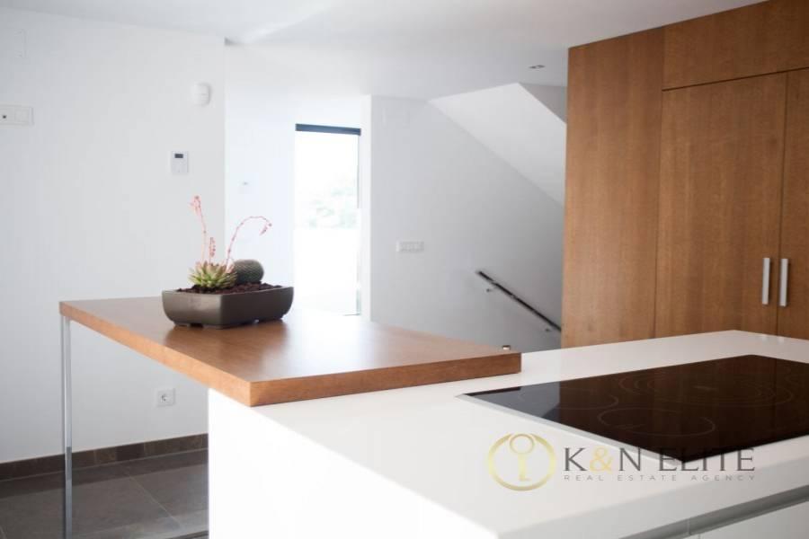 Alicante,Alicante,España,6 Bedrooms Bedrooms,3 BathroomsBathrooms,Chalets,31226