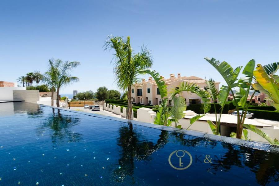 Benidorm,Alicante,España,4 Bedrooms Bedrooms,4 BathroomsBathrooms,Chalets,31230