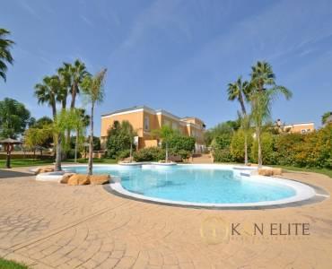 Alicante,Alicante,España,4 Bedrooms Bedrooms,3 BathroomsBathrooms,Bungalow,31240