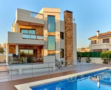 Torrevieja,Alicante,España,5 Bedrooms Bedrooms,5 BathroomsBathrooms,Chalets,31251
