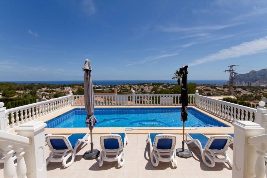Calpe,Alicante,España,3 Bedrooms Bedrooms,3 BathroomsBathrooms,Chalets,32010