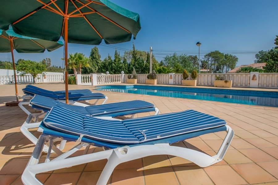 Alfaz del Pi,Alicante,España,3 Bedrooms Bedrooms,3 BathroomsBathrooms,Chalets,32019