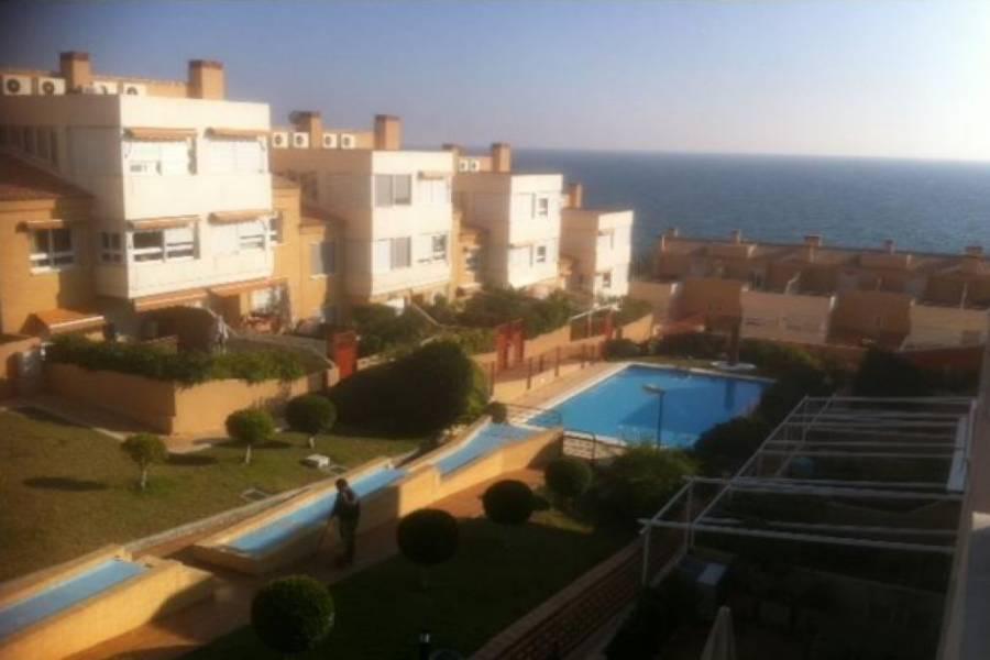 Alicante,Alicante,España,5 Bedrooms Bedrooms,3 BathroomsBathrooms,Adosada,32073