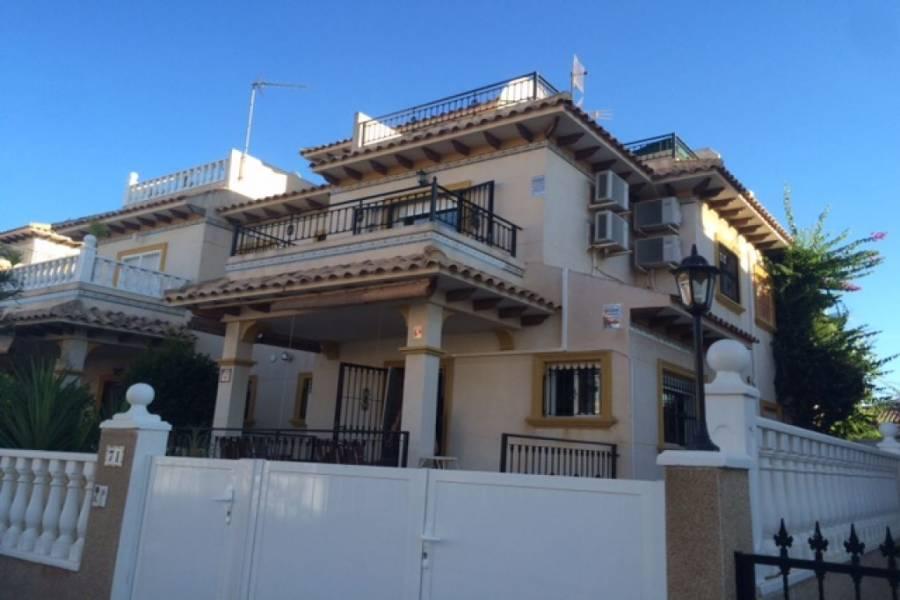 Orihuela Costa,Alicante,España,3 Bedrooms Bedrooms,2 BathroomsBathrooms,Chalets,32118