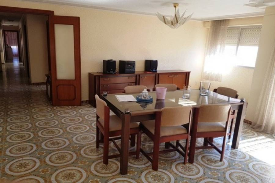 Torrevieja,Alicante,España,5 Bedrooms Bedrooms,2 BathroomsBathrooms,Atico,32142